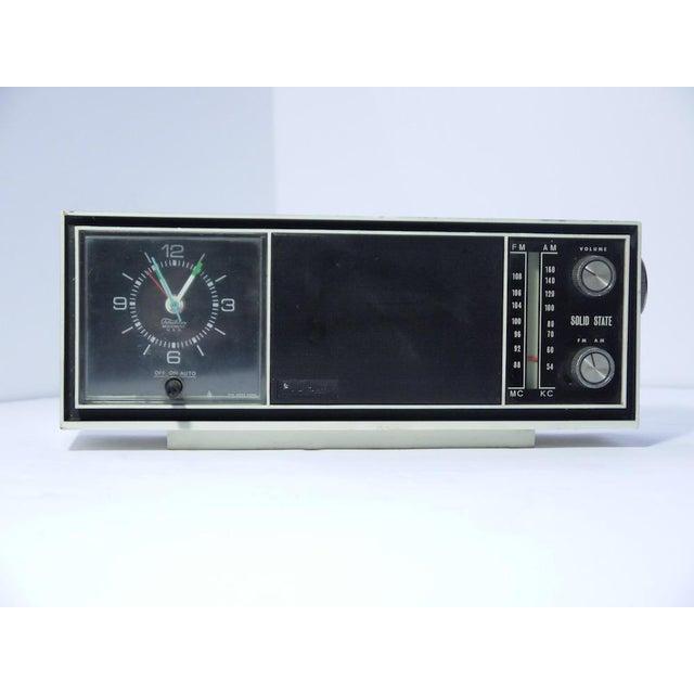 Metal Vintage Telechron Movement Clock Radio For Sale - Image 7 of 7