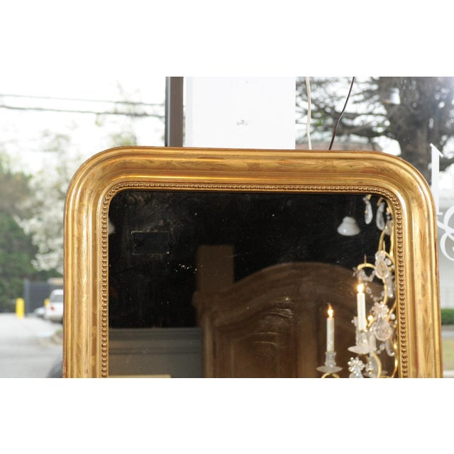 Gold French 19th Century Louis-Philippe Giltwood Mirror with Foliage and Beading For Sale - Image 8 of 12