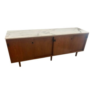 1967 Mid-Century Modern Florence Knoll Designed Calcutta Gold Marble Top Credenza For Sale
