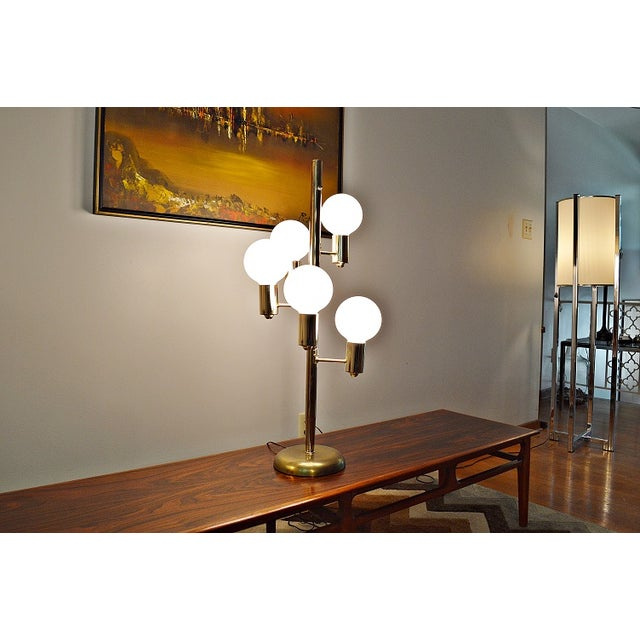 Mid-Century Space Age Descending Ball Table Lamp - Image 6 of 7