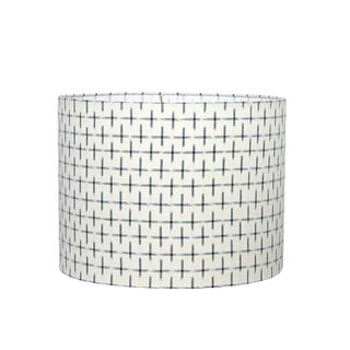 Modern Karuso Handwoven Dyed Ikat Fabric Drum Lampshade in Natural and Black For Sale