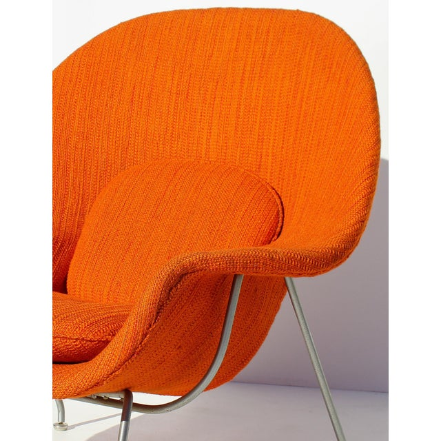 Eero Saarinen Womb Chair With Original Upholstery and Steel Frame For Sale - Image 9 of 12