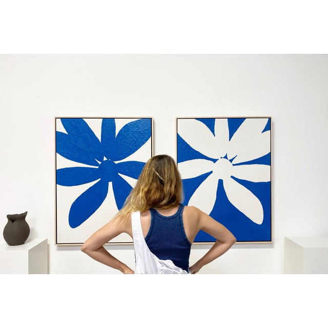 """Abstract Exclusive John O'Hara """"Big Blue Daisy"""" Encaustic Paintings - 2 Panels For Sale - Image 3 of 9"""