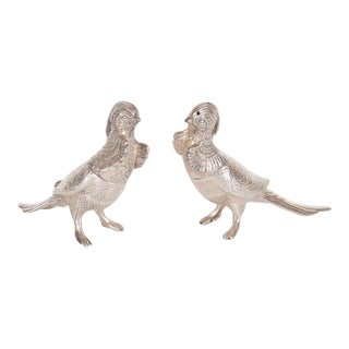 Pair of Art Deco Salt and Pepper Shakers in Silver Plate Representing Exotic Birds For Sale