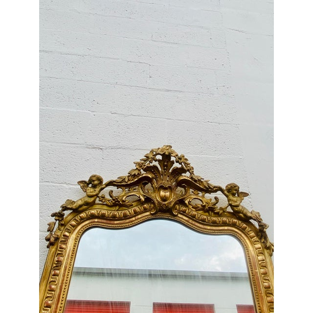 French Giltwood Carved Flowers and Cherub Louis Style Mirror For Sale In Miami - Image 6 of 13