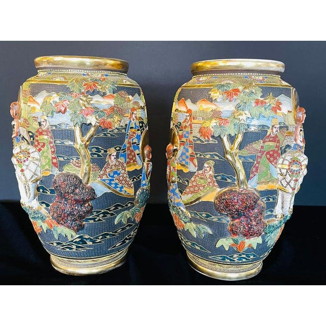 1920s Pair of Antique Japanese Satsuma Vases Figural Scenes For Sale - Image 5 of 13