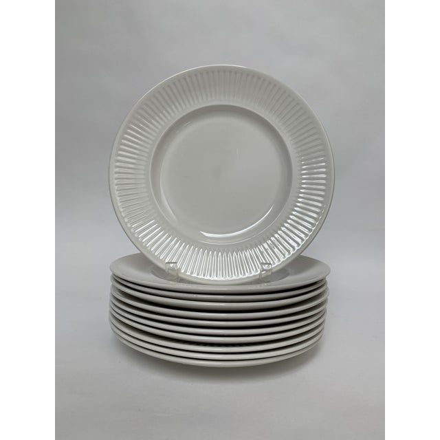 Final Markdwon 1960s Johnson Brothers White Ironstone Dinner Plates - Set of 11 For Sale - Image 12 of 12