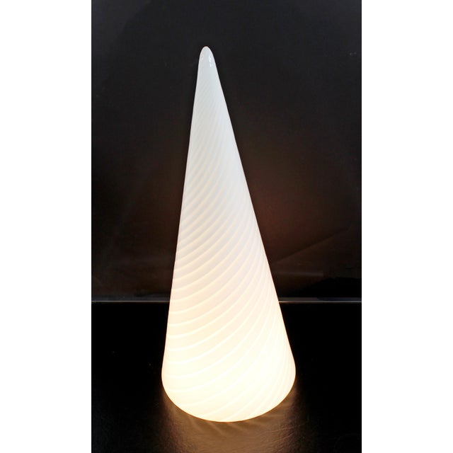 Murano 1970s Mid-Century Modern Large White Vetri Murano Glass Conical Table Lamp For Sale - Image 4 of 8