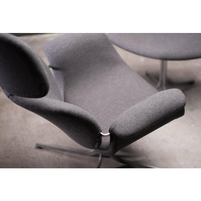 1960s Pierre Paulin F545 Lounge Chair with Matching Footstool for Artifort For Sale - Image 5 of 9
