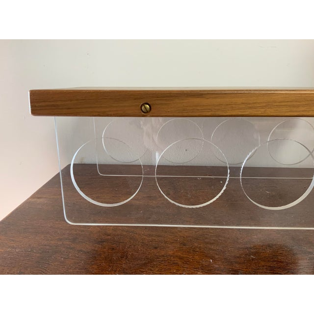 Mid-Century Modern Vintage Mid-Century Lucite and Walnut Wood 4 Bottle Holder and Cutting Board For Sale - Image 3 of 7