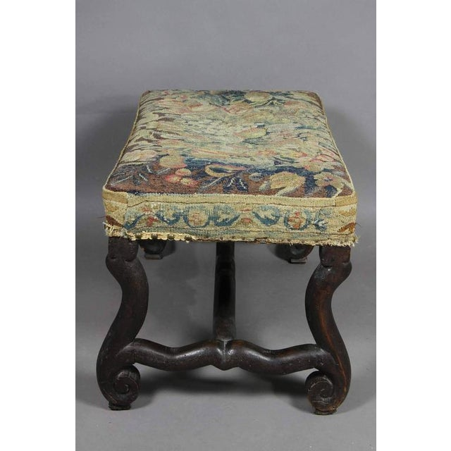 Early 18th Century Louis XIV Walnut Os De Mouton Bench With Tapestry Seat For Sale - Image 5 of 8