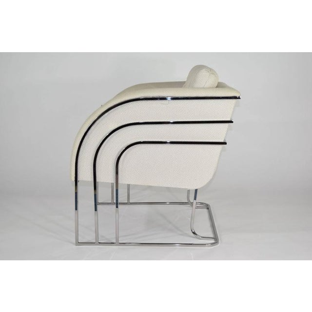 Beautiful lounge chair with chrome frame by Milo Baughman.