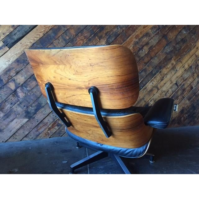 Original Eames Herman Miller 1975 Rosewood Leather Chair with Ottoman For Sale - Image 5 of 11