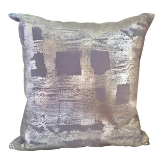 Modern Silver Brushstroke Accent Throw Pillow For Sale