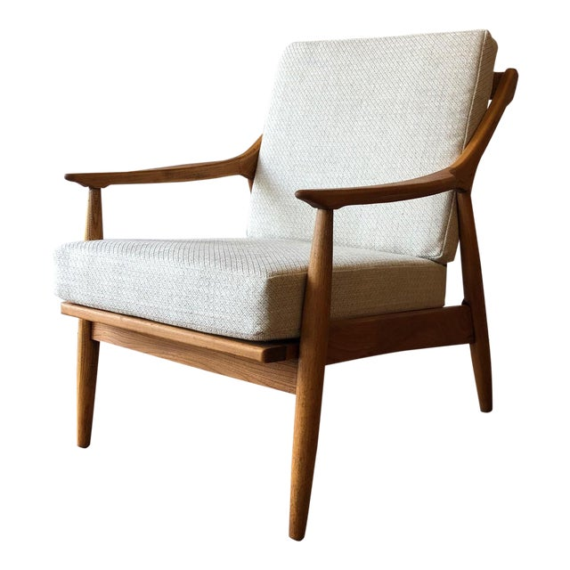 1960s Newly-Upholstered Mid-Century Modern Arm Chair by Paoli For Sale