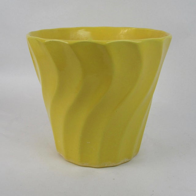 Vintage Yellow Bauer Swirl Flower Pot Size 8 - Image 4 of 6