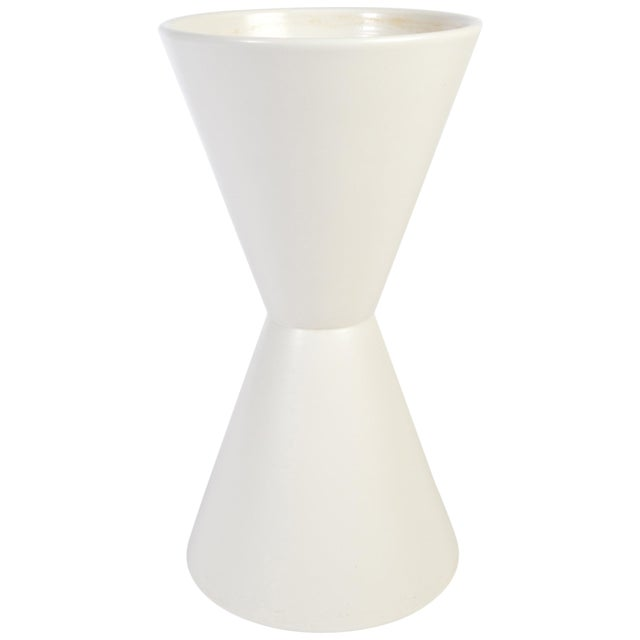 Lagardo Tackett for Architectural Pottery Double Cone Ceramic Pottery Planter For Sale