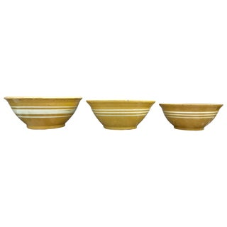 Set of Three Late 19th Century Yellow Ware Mixing Bowls For Sale