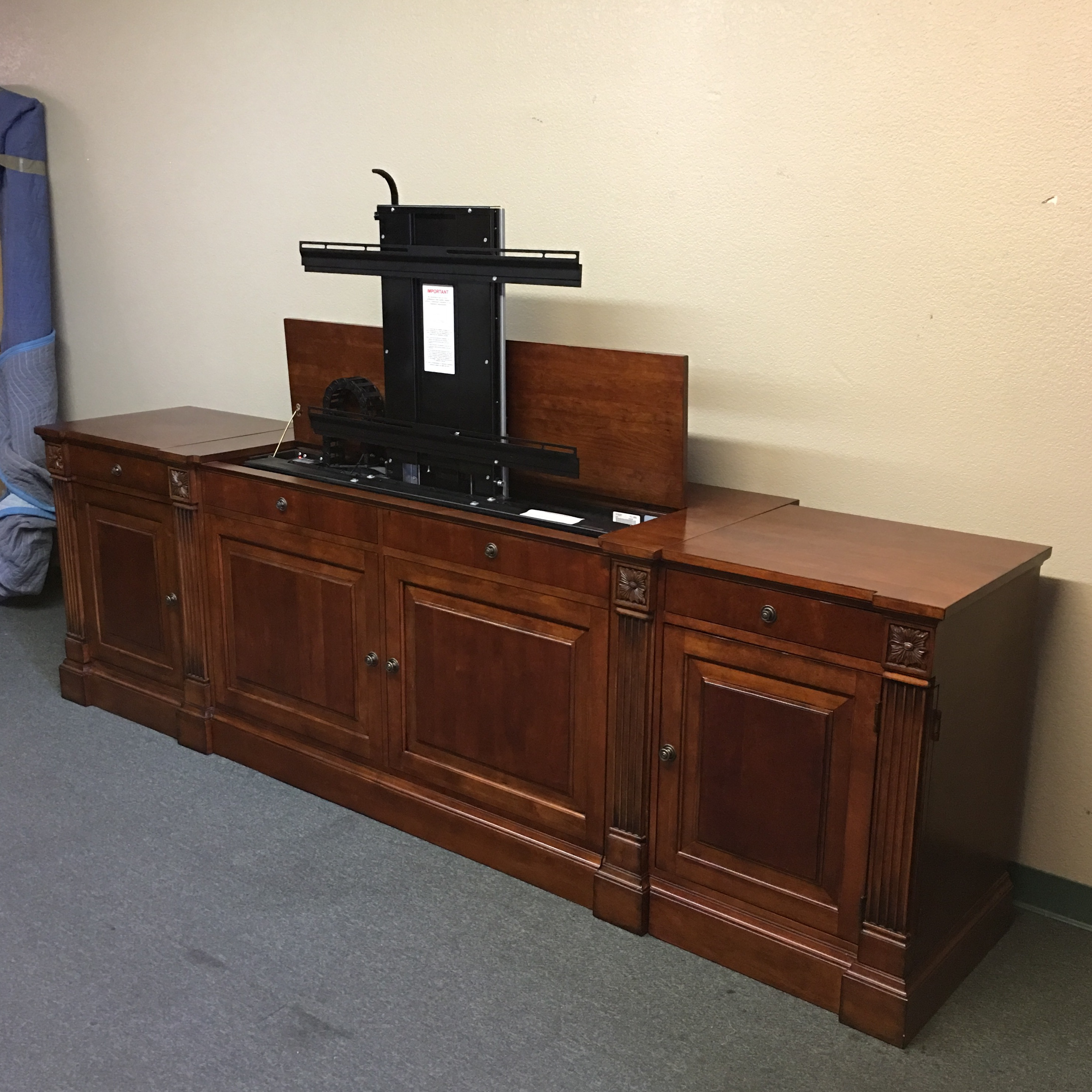 Attrayant Ethan Allen Ethan Allen Television Lift Cabinet For Sale   Image 4 Of 10