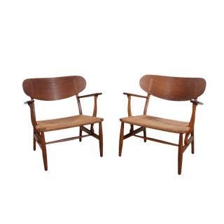 Hans Wegner Carl Hansen Ch22 Lounge Chairs - a Pair For Sale