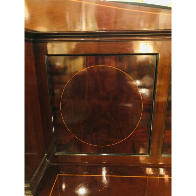 Sheraton Flame Mahogany 19th Century Sideboard Buffet With Inlaid Backsplash Top For Sale In New York - Image 6 of 13