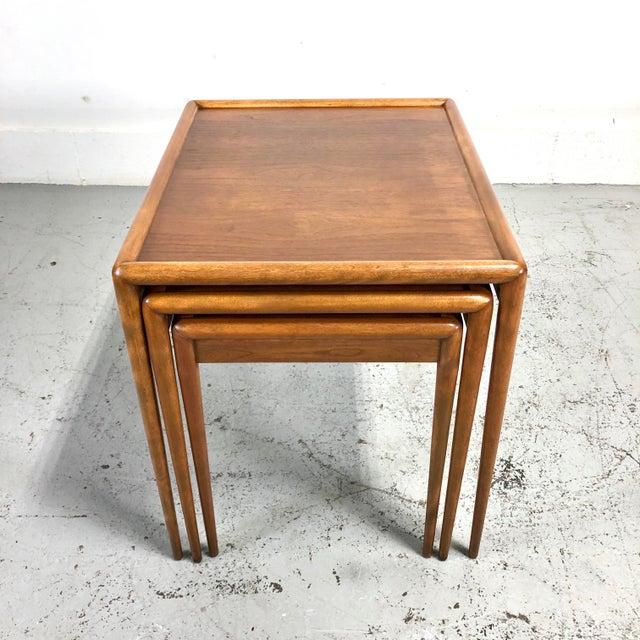 t.h. Robsjohn-Gibbings Nesting Tables for Widdicomb - Set of 3 For Sale - Image 9 of 13