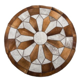 Hair-on-Hide Beige & White Cowhide Patchwork Round Area Rug - 6′7″ × 6′7″ For Sale