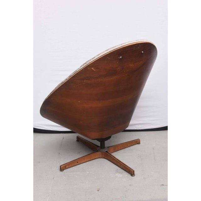 Plycraft Rare Early Edition Plycraft Swivel Wooden Egg Chair, 1950s, Usa For Sale - Image 4 of 10