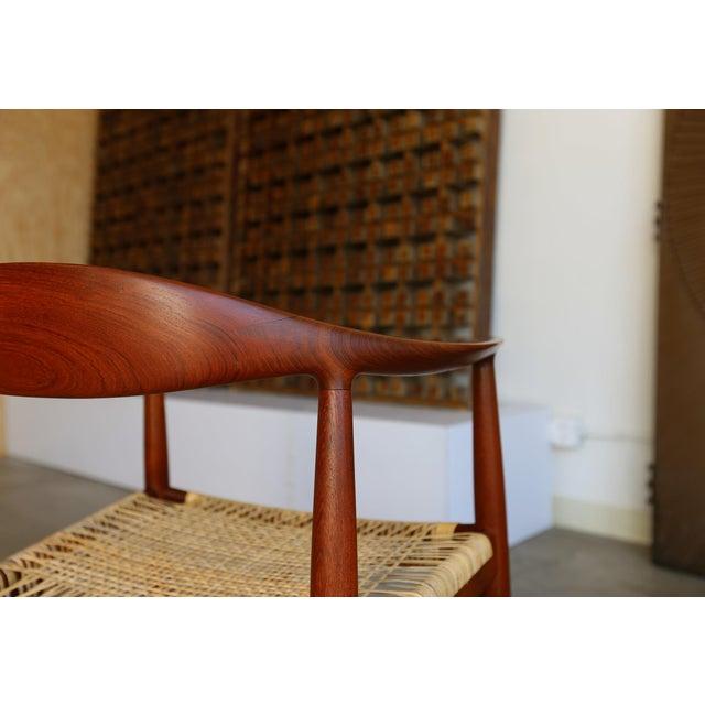 Brown Mid-Century Modern Johannes Hansen for Hans Wegner Round Teak Side Chair For Sale - Image 8 of 12