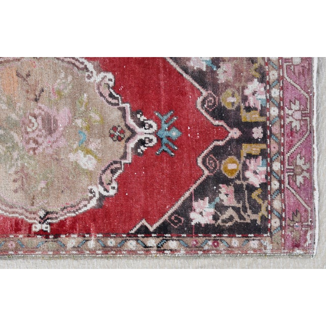 """Cotton Early 20th Century Turkish Muted Rose/Pink Accent Rug - 1'9"""" X 3'8"""" For Sale - Image 7 of 10"""
