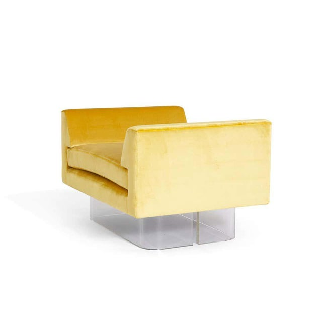 Lucite and Yellow Silk Velvet Bench For Sale In Chicago - Image 6 of 7