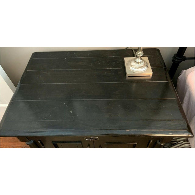 Contemporary Bausman & Company English Nightstand With Inlaid Plank Top For Sale - Image 3 of 13