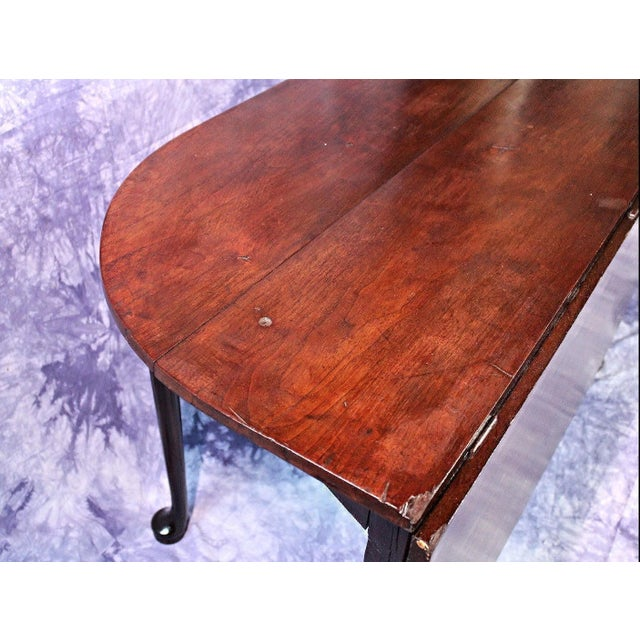 Wood 18th Century Queen Anne Mahogany Drop Leaf Gate Leg Table For Sale - Image 7 of 11