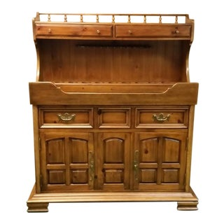 Mid 1960's Traditional Thomasville Dry Sink Buffet For Sale