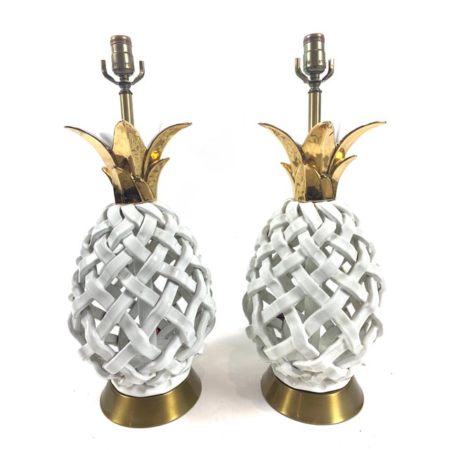 White Mid 20th Century Pineapple Motif Ceramic Lamps - a Pair For Sale - Image 8 of 8