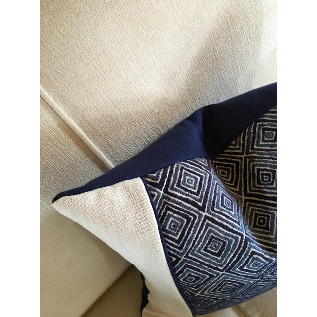 Traditional Robert Allen Blue & White Geometric Fabric Accent Pillow Covers - A Pair For Sale - Image 3 of 11