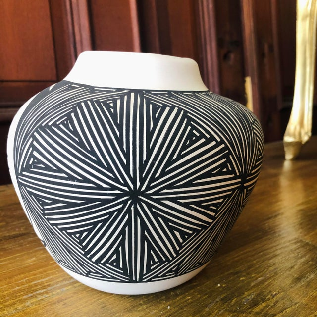 Vintage Acoma Hare Native American Indian Pottery Pot Signed DWaconda For Sale In West Palm - Image 6 of 9