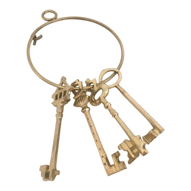 Large Brass Skeleton Keys on Brass Ring - Image 1 of 5