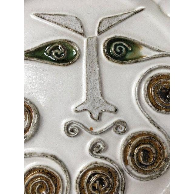 Mid-Century Modern Bennington Potters White Decorative Plate For Sale - Image 5 of 9