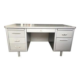 1970s Mid-Century Modern Steelcase Metal Tanker Desk For Sale