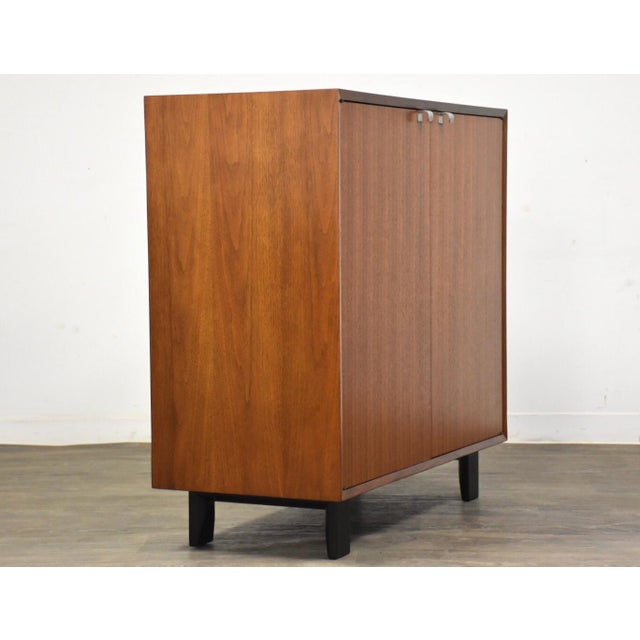Mid-Century Modern 1950s George Nelson for Herman Miller Walnut Cabinet Credenza For Sale - Image 3 of 11