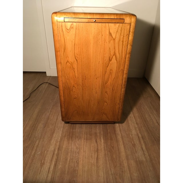 American of Martinsville Lighted Bar Cabinet For Sale - Image 5 of 10