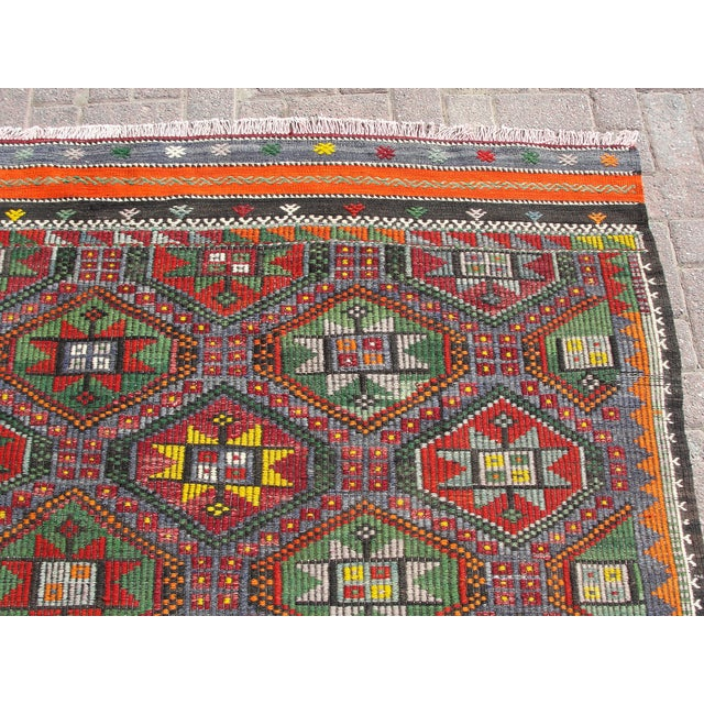 "Vintage Turkish Kilim Rug - 6'9"" x 8'3"" For Sale - Image 5 of 11"