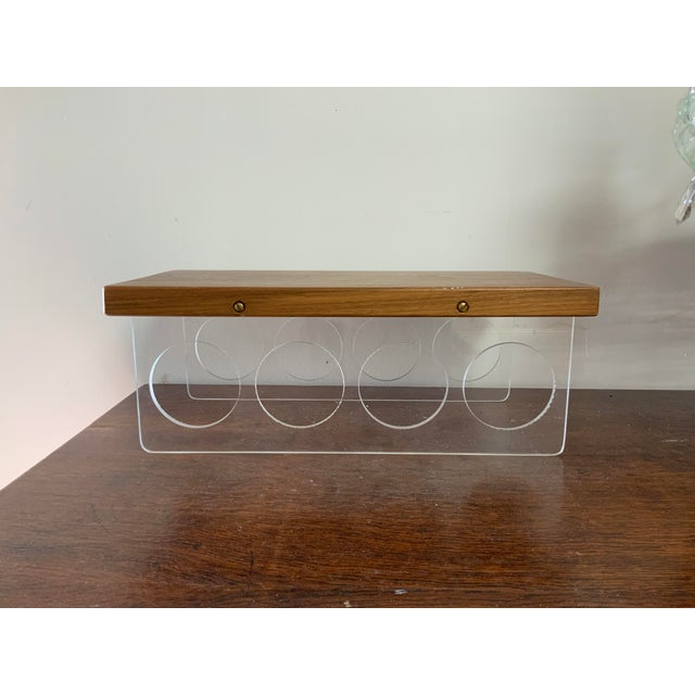 Wood Vintage Mid-Century Lucite and Walnut Wood 4 Bottle Holder and Cutting Board For Sale - Image 7 of 7