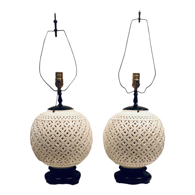1950s Hollywood Regency White Round Lamps - a Pair For Sale