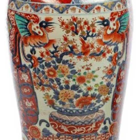 Ceramic Japanese Imari Porcelain Covered Jars - a Pair For Sale - Image 7 of 12