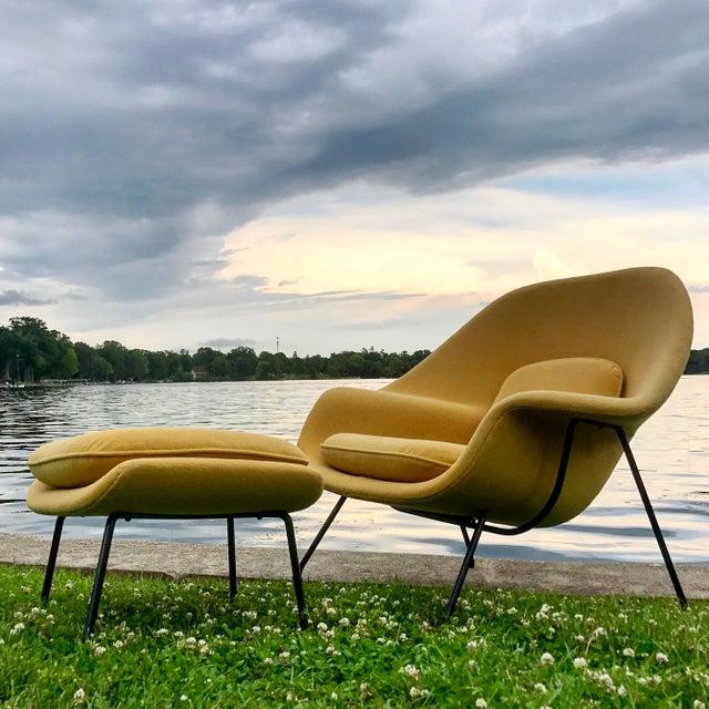 Eero Saarinen for Knoll Womb Chair & Ottoman - Image 8 of 10