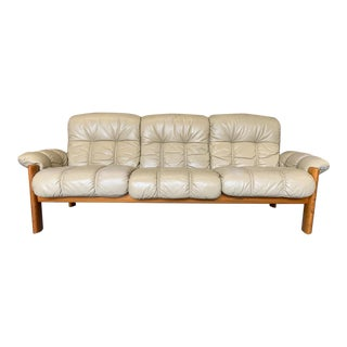 Vintage Mid Century Modern Leather Ekornes Stressless Leather and Teak 3 Seat Sofa, Off White For Sale