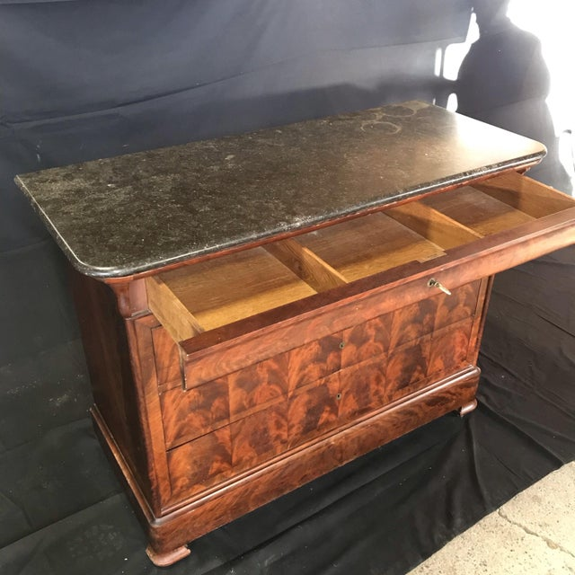 French Empire Marble-Top Burled Walnut Chest of Drawers For Sale In Portland, ME - Image 6 of 11