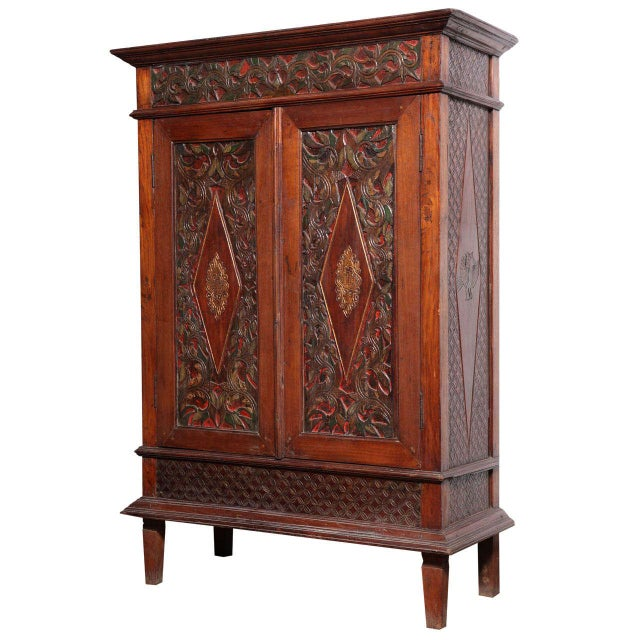 Antique Javanese Teakwood Cabinet with Detailed Carvings, Early 20th Century For Sale - Image 11 of 11